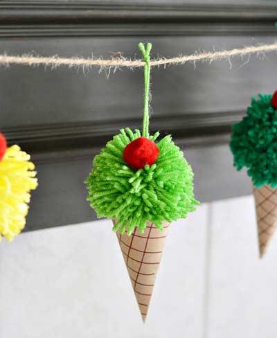 Подарок своими руками на день рождения - гирлянда мороженого 9