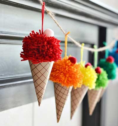 Подарок своими руками на день рождения - гирлянда мороженого