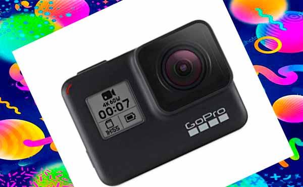Камера - подарок другу на день рождения