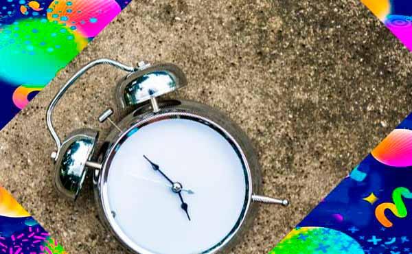 Вневременные настенные часы