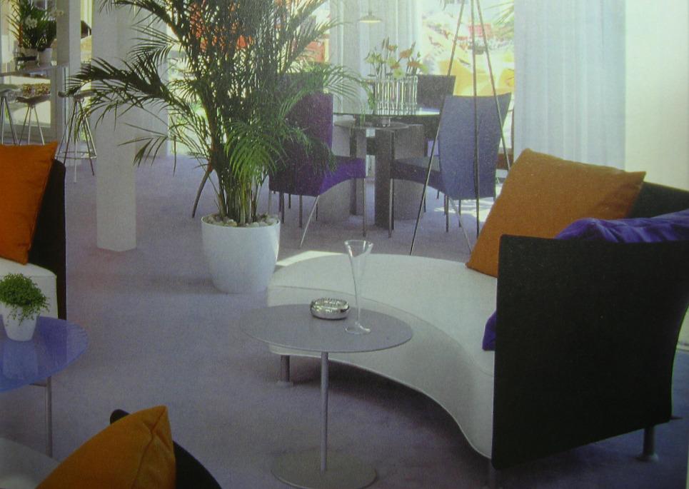 Чем почистить мягкую мебель в домашних условиях от грязи