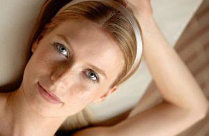 Как женщине быстро убрать мешки под глазами в домашних условиях