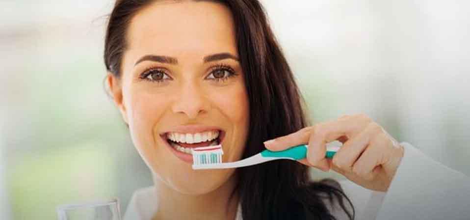 Отбеливание зубов в домашних условиях без вреда для зубов